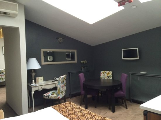 Pushka Inn Hotel: Семейный номер студия - зал