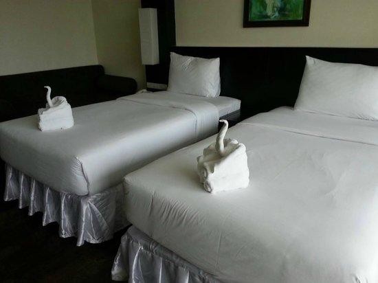 Kacha Resort & Spa, Koh Chang : ห้องนอนเตียงคู่ชั้นสองคะ
