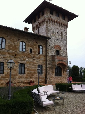 Hotel La Collegiata: A rainy day in honeymoon:)