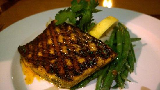 Seastar Restaurant & Raw Bar: Grilled Salmon