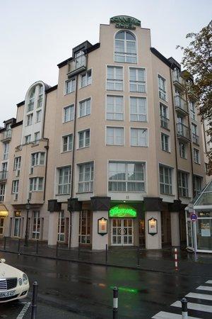 Guennewig Hotel Residence: 駅に面した側です。