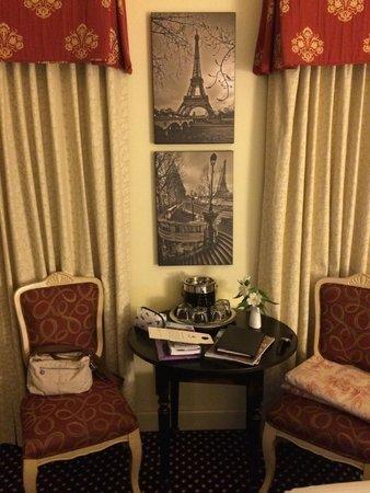 French Quarter Inn: Detalhe da decoração nos quartos.