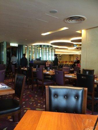 The Langham, Hong Kong: Restaurant