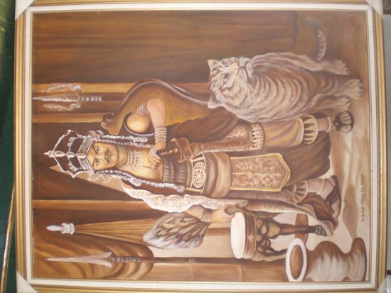 Cirebon, Indonesia: foto prabusiliwangi dengan macan nya..akan tampak hidup..