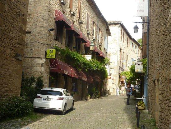 Hostellerie du Vieux Cordes : Hotel Entrance