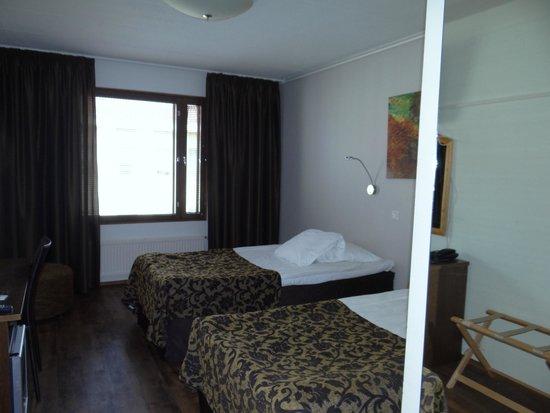 Original Sokos Hotel Valjus: habitación con luz