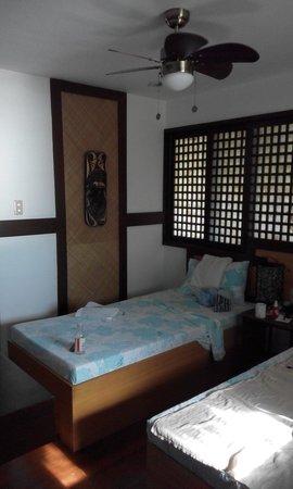 Aqua Venture Reef Club: Renovated room 1A