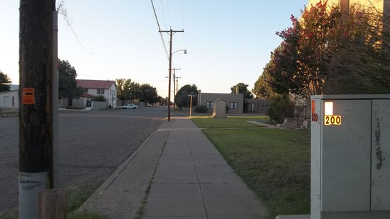 The Arcon Inn: street in front of house