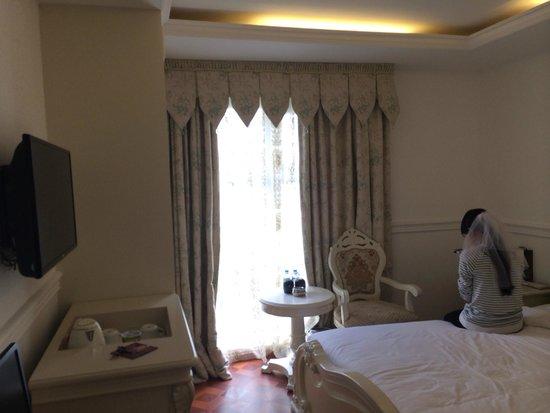 A&EM 280 Le Thanh Ton Hotel : The room