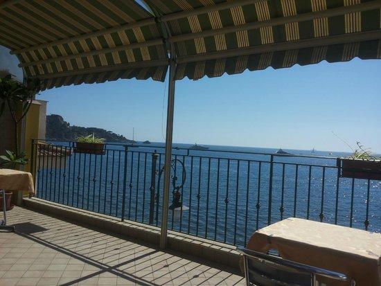 Colazione sul mare picture of b b miramare giardini naxos tripadvisor - B b giardini naxos sul mare ...
