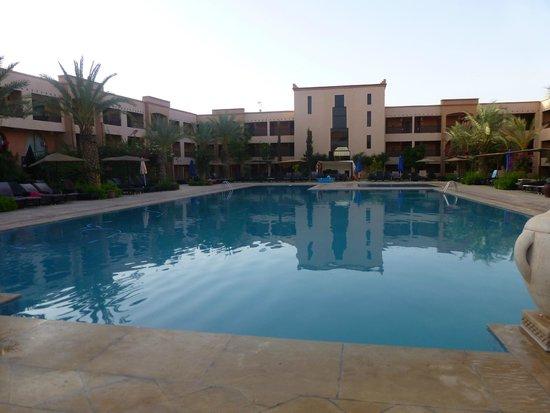 La Piscine Apres Traitement Picture Of Zalagh Kasbah Hotel And