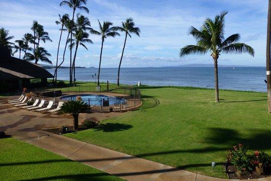 Maalaea Surf Resort: View from Condo