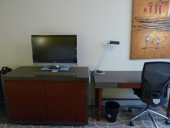 Four Points by Sheraton Perth: TV