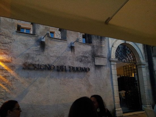 Scrigno del Duomo : l'entree du restau avec la terrasse cosy