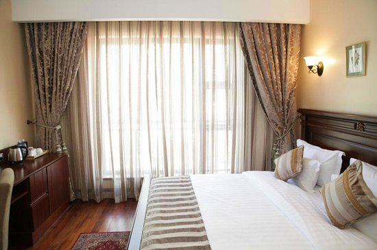 Collingham Gardens Residence & Club: Deluxe room