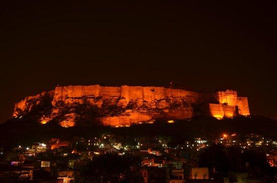 Hotel Haveli Jodhpur : Mehrangarh fort view from roof