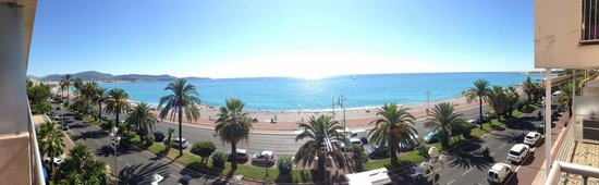 Radisson Blu Hotel, Nice : Udsigt fra altanen på værelset