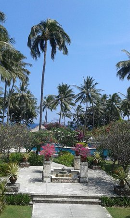 Holiday Resort Lombok: view from entrance