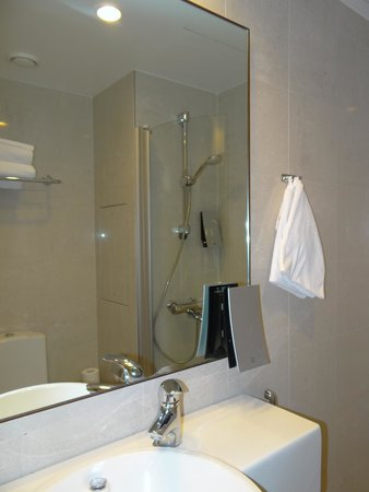 Original Sokos Hotel Helsinki : baño