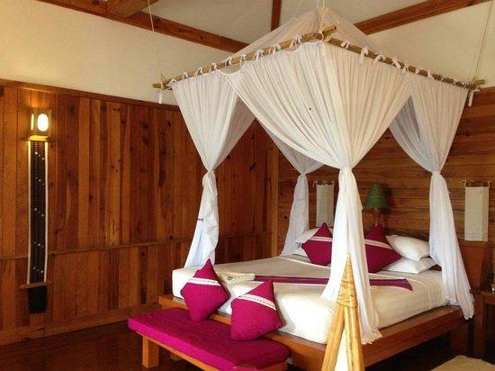 Myanmar Treasure Inle Lake : My room <3 <3
