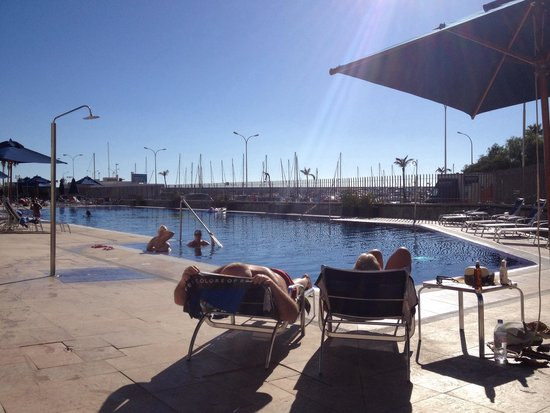 Morasol Suites : The pool ..... Huge, lots of beds, really chilled out