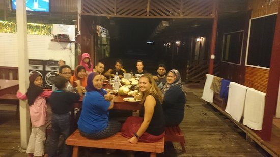 Seahorse Sipadan Scuba Lodge : dinner time