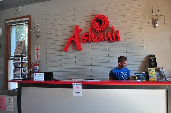 Ashanti Lodge Gardens Backpackers: Main reception