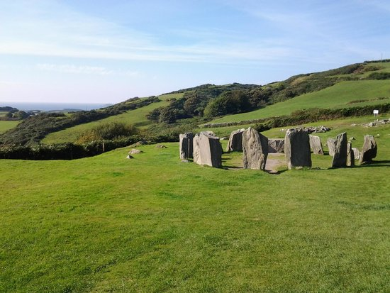 Drombeg Stone Circle: in the middle of nowhere