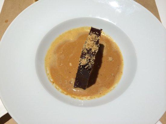 DeÓ: Chocolate caramel dessert. Yummy!