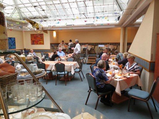 Adria Hotel Prague : Frukost på första våningen