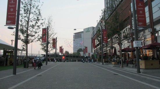 Ibis London Wembley: Centro comercial