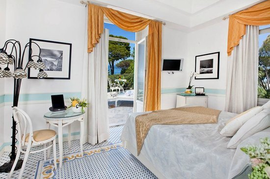 Luxury Villa Excelsior Parco: Deluxe room with Jacuzzi