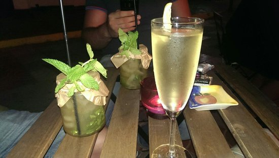 Speakeasy Jazz Club & Cocktails : Mojito & French76