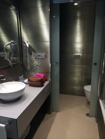 MS Aguamarina Suites : Lovely Bathroom