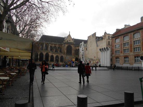 Fontaine Stravinsky: Парадоксы Парижа