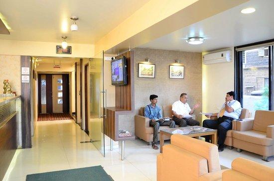 写真Hotel Rajmahal枚