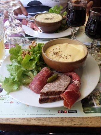 Auberge Saint Jacques : repas de midi