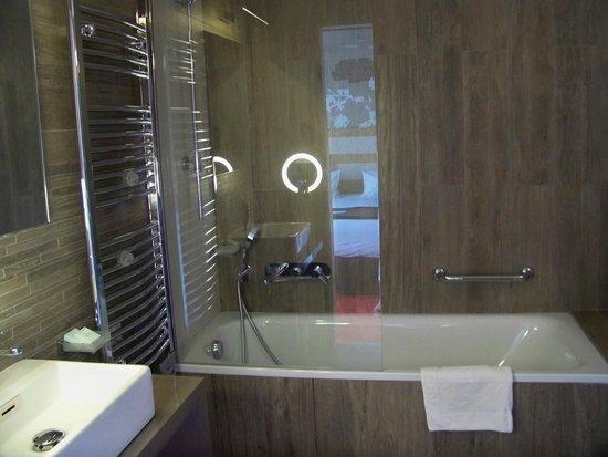 Le Grand Aigle Hotel : salle de bains