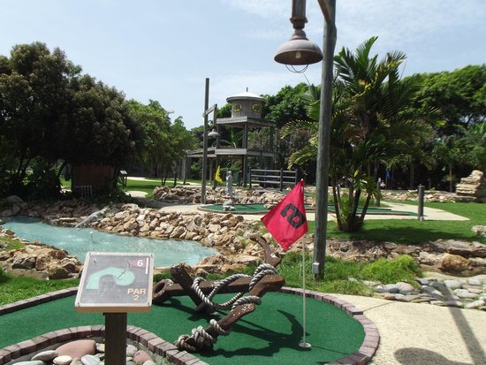 The Verandah Resort & Spa: mini golf