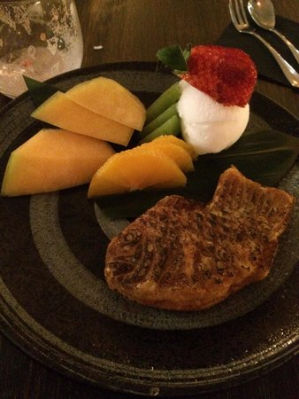 Yuzu at Church Lane: My dessert: grilled fish-shaped red bean with fruits and yuzu ice cream