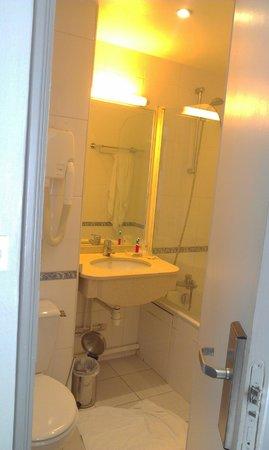 Best Western Montcalm: bathroom