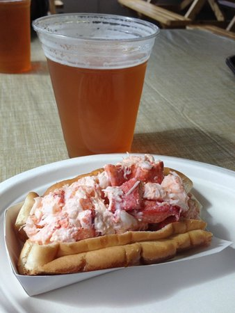The Beach Plum: My first lobster roll.  Delicious