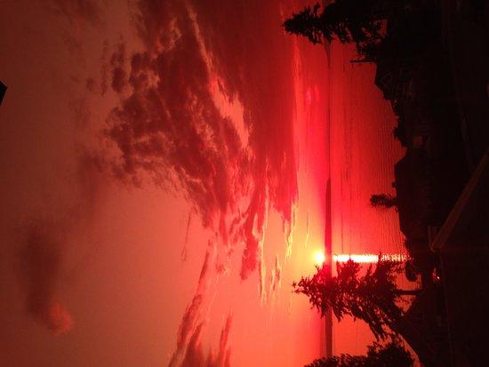 Beyond Bliss Suites : Sun Setting 2