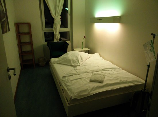 Old Town Hostel: Single Room (no bathroom)
