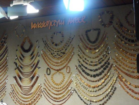 Tuchhallen (Sukiennice): gioielli in ambra