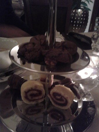 Tigris Restaurant : cakes
