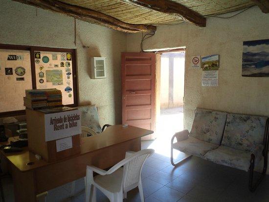 Hostal Intipara: San Pedro de Atacama, Chile, Hostal Inti Para. Recepción.
