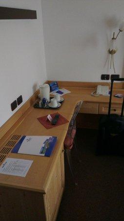 Hotel Antares: Scrivania
