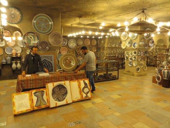 Sultans Ceramic: Showroom