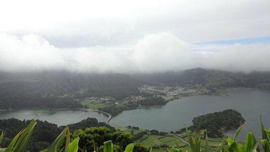 Lagoa Azul, Sao Miguel Acores: Miradouro Pico de Carvalho: Lago Azul e Sede Cidades